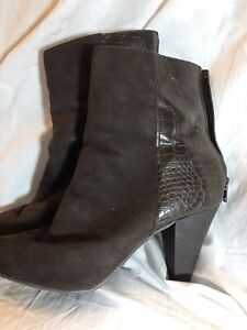 NEW DIRECTION ALYSSE BROWN ZIP POINTED  TOE ANKLE BOOTS 9.5 M EUC FREE MASK