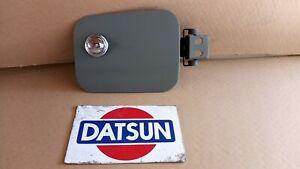 Datsun 240Z 70- 8.71 Knob Locking Fuel Lid/ Door