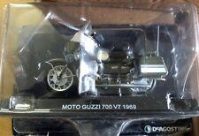 """DIE CAST """" MOTO GUZZI 700 V7 1969 """" POLIZIA SCALA 1/24"""