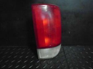 95-05 Chevrolet Blazer S10/ Jimmy S15 Passenger Tail Light