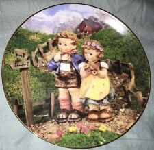 """M. J. Hummel """"Country Crossroads� Collector Plate #C6915"""