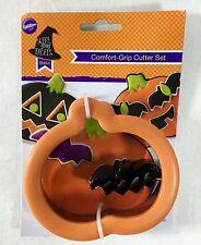 Wilton 2 Piece Halloween Comfort Grip Cookie Cutter Pumpkin With Mini Bat New