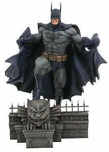 Batman DC Comic PVC Gallery Statue