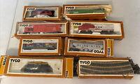 Vintage Lot TYCO,  HO scale train,  Santa Fe Engine's, Cars and Track