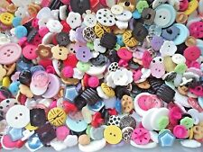 80pcs Button Plastic Resin Flower Shape Round Shank Hole Sewing Mixed