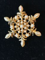 Vintage Christmas Snowflake Pin Brooch Multi Color Pearl Gold Tone