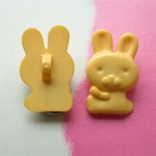 20 Rabbit Animal Kid Novelty Self Shank Sewing Buttons Cardmarking Yellow K36