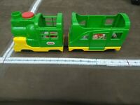 FISHER PRICE LITTLE PEOPLE FRIENDLY PASSENGERS TRAIN W/ SOUNDS AND PHRASES