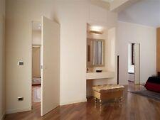 Portes à fleur de mur nouveauté italienne design moderne très élégante