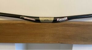Renthal Fatbar Lite Carbon MTB Handlebars. 35mm 785mm wide 10mm rise. Great..