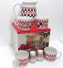Coca-Cola - SERVIZIO DINER 4 PERSONE 1 BROCCA, 4 TAZZE, SALE e PEPE - anno 1996