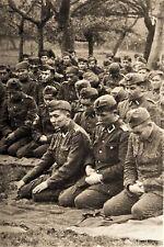 WW2 - Musulmans des Ost-bataillons de l'Armée allemande en prière - Normandie 44