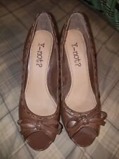 Y Not? Womens Mary Jane Shoes Sz71/2 Brown  Wood Heel Leather Open Toe