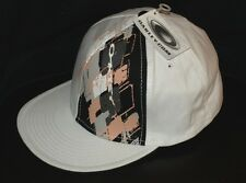 Bnwt Autentico Oakley Argyle Baseball Flex Cap Cappello S / M BIANCO