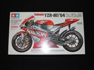 Tamiya 1/12 YAMAHA YZR-M1'04 Cartograf Motorcycle Model Kit