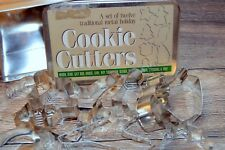 Set of 12 Metal Cookie Cutters Traditional Christmas Holiday Cookie Box Tin
