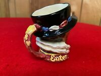 """Royal Doulton D6233 Rare Variation 2Beefeater Small - 3.25""""1947"""