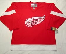 DETROIT RED WINGS - size Medium - CCM Vintage Series Hockey Jersey  Red bnwt cdn