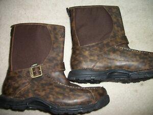 "DANNER Sharptail Rear Zip 10"" Dark Brown. Mens size 12D boots. -BRAND NEW"