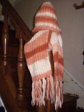 Bonnet et écharpe assortis