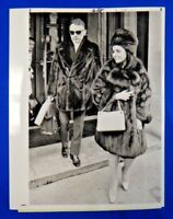"Elizabeth Taylor Original Type 1 Press Wire Photo 7"" x 9"""
