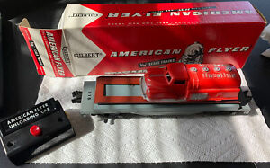 American Flyer 915 Red Renwal Truck Unloading Car w/Box and Button