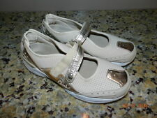 Cheeks Tony Little Women's 8.5 beige/gold Sneakers Athletic Shoes Walking Casual