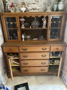 Beautiful Antique China Cabinet .. Beautiful Condition... Looks Amazing In Home
