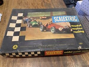 Scalextric made by Moldex in Fairfield, Vic Vintage Slot Car Set No X4