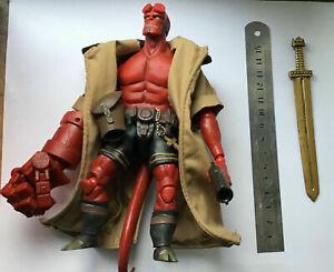Hellboy 1/12 Figure Dark Horse Exclusive 1000 Toys Brand version