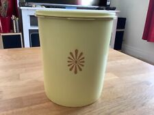 More details for vintage tupperware medium-large creamy yellow container with sunburst seal.