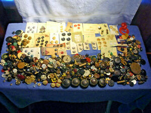 4 POUNDS OF VINTAGE ASSORTED BUTTONS