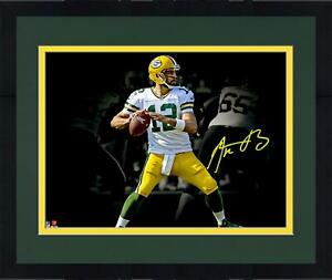 """Frmd Aaron Rodgers Green Bay Packers Signed 11"""" x 14"""" Passing Spotlight Photo"""