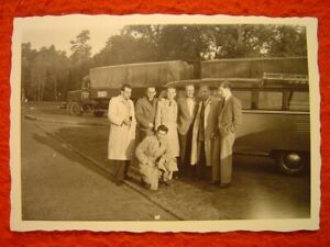 LKW DER SPEDITION HASSELS AUS AHAUS / STEINFURT (?) - MIT VW-BUS SAMBA - 1 Foto
