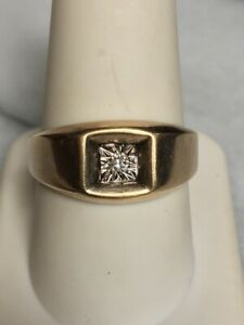 MEN'S YELLOW GOLD & DIAMOND SIGNET RING SIZE 10