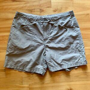 Columbia Women's Cotton/Nylon Blend Olive/Tan/Khaki Outdoors Shorts Size Small