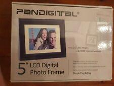 "PANDIGITAL 5"" LCD DIGITAL PHOTO FRAME. PLUG & PLAY."