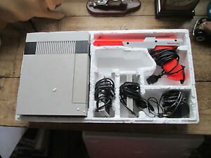 NINTENDO VINTAGE NES VERSION - ENTERTAINMENT SYSTEM ACTION SET IN ORIGINAL BOX