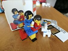 Vintage 1976 LEGO set 211: mother, baby and dog - complete in original box