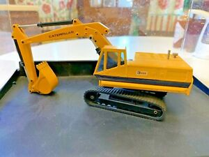 Joal Caterpillar 225 Track Excavator  1/50