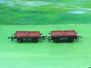 2 x Triang Hornby 13T bolster wagons B913011