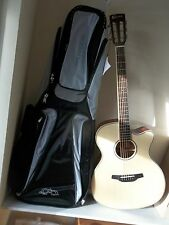 Crafter RTE600 N electro-acoustic with thick padded gigbag, new. waranteed.