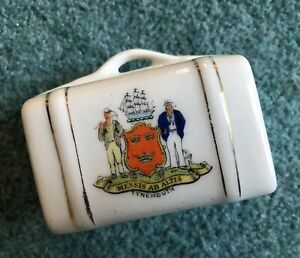 Crested China Suitcase - Crest Tynemouth
