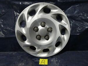 "00-02 SATURN L SERIES 15""  9 Slot  Wheel Cover Hub Cap  2501562 #A"