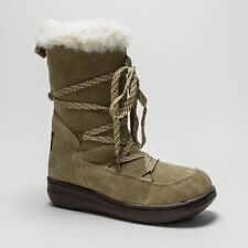 Rocket Dog Flat (less than 0.5') Suede Boots for Women