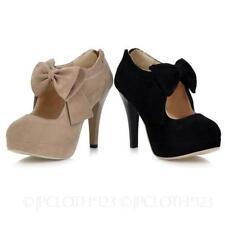 Clubwear Standard Width (B) Slim Court Heels for Women