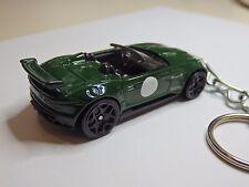 Hot Wheels 2015 Jaguar F-Type British Racing Green Model Keychain Keyring