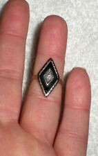 SMALL VINTAGE 14K YELLOW GOLD ONYX AND DIAMOND PINKY RING - 2.6 g - SIZE 3.5