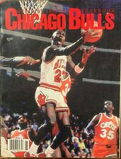 1989/1990 official Chicago Bulls yearbook Michael Jordan Cover