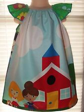 Back to School Bus Kids Play     Girls Dress Size  2t,3t and 4t